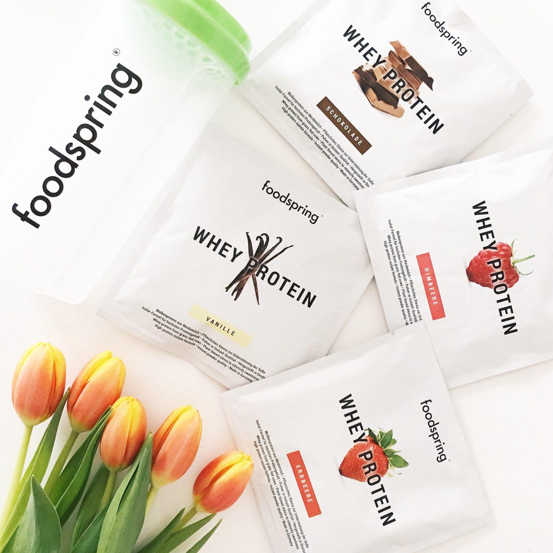 foodspring testpakete, ein foodspring shaker und tulpen